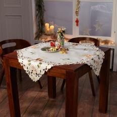 Weihnachts-Tischdecke mit Kerzenstickerei