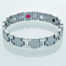 Titan-Armband W.I.R.K.E.N.
