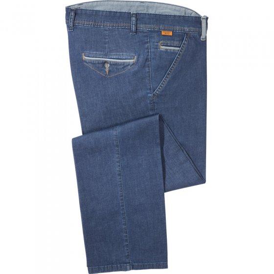 Leichte Jeans mit Kontrasten