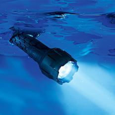 Wasserdichte LED-Taschenlampe-2
