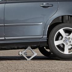 Elektrischer Wagenheber mit Radschlüssel-2