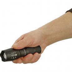 Ultrahelle Taschenlampe 40+-2